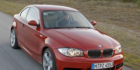 Tire, Mode of transport, Automotive design, Vehicle, Automotive mirror, Hood, Land vehicle, Car, Grille, Rim,