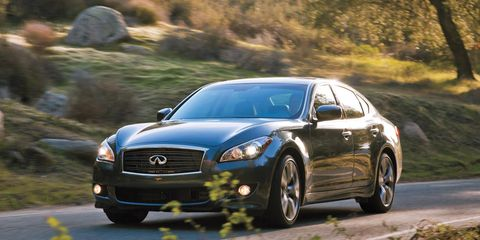 Tire, Wheel, Automotive design, Vehicle, Land vehicle, Road, Car, Rim, Automotive lighting, Automotive mirror,