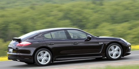 Tire, Wheel, Automotive design, Vehicle, Alloy wheel, Rim, Car, Automotive tire, Performance car, Spoke,
