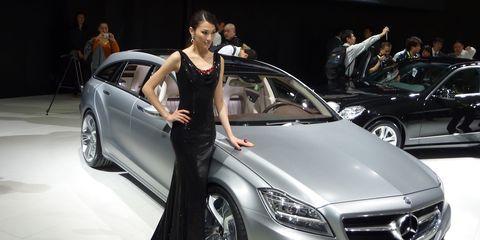 Wheel, Tire, Automotive design, Land vehicle, Vehicle, Event, Car, Personal luxury car, Grille, Luxury vehicle,
