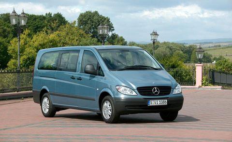 Motor vehicle, Tire, Wheel, Automotive design, Mode of transport, Automotive mirror, Transport, Automotive tire, Vehicle, Land vehicle,