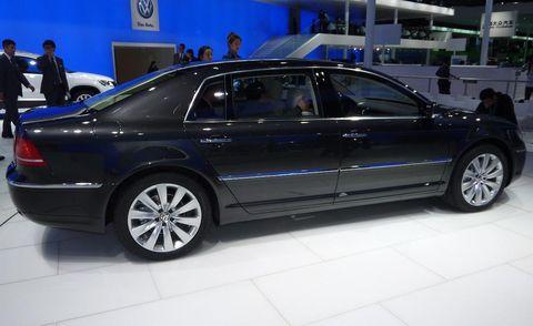 Tire, Wheel, Automotive design, Vehicle, Land vehicle, Alloy wheel, Car, Rim, Spoke, Full-size car,