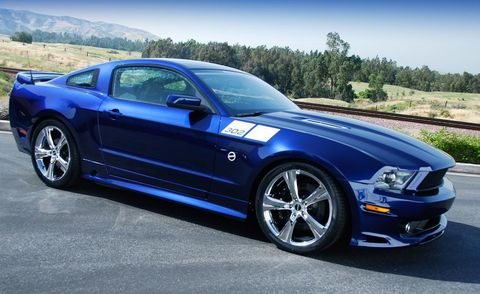Tire, Wheel, Automotive design, Blue, Vehicle, Automotive tire, Hood, Rim, Alloy wheel, Headlamp,