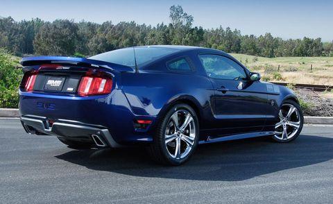 Tire, Motor vehicle, Wheel, Automotive design, Blue, Automotive tire, Vehicle, Land vehicle, Rim, Automotive lighting,