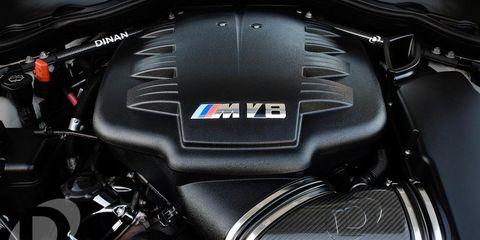 Motorcycle, Automotive design, Motorcycle accessories, Automotive fuel system, Fuel tank, Engine, Carbon, Personal luxury car,