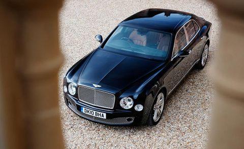 Motor vehicle, Tire, Automotive design, Vehicle, Land vehicle, Grille, Car, Vehicle door, Hood, Automotive lighting,