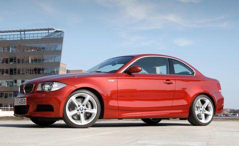 Tire, Wheel, Automotive design, Vehicle, Alloy wheel, Automotive lighting, Rim, Car, Automotive mirror, Automotive tire,