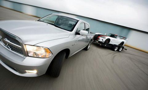 Tire, Motor vehicle, Wheel, Automotive tire, Automotive design, Automotive exterior, Automotive mirror, Vehicle, Automotive lighting, Land vehicle,
