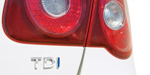 Motor vehicle, Automotive tail & brake light, Automotive lighting, Red, Light, Carmine, Automotive light bulb, Coquelicot, Automotive side marker light, Symbol,