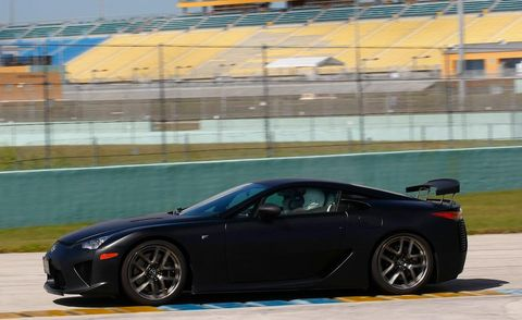 Tire, Wheel, Automotive design, Vehicle, Rim, Performance car, Land vehicle, Alloy wheel, Car, Spoke,