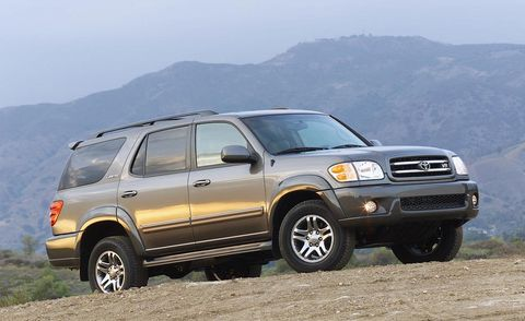 Tire, Wheel, Automotive tire, Vehicle, Mountainous landforms, Land vehicle, Automotive parking light, Mountain range, Rim, Automotive design,