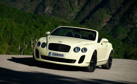 Automotive design, Vehicle, Land vehicle, Road, Car, Grille, Performance car, Bentley, Personal luxury car, Luxury vehicle,