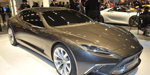 Tire, Wheel, Mode of transport, Automotive design, Vehicle, Event, Land vehicle, Car, Personal luxury car, Auto show,