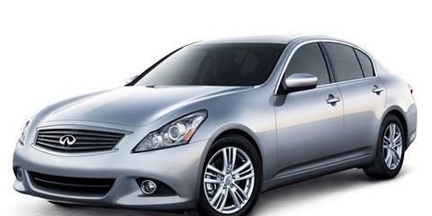 Mode of transport, Automotive design, Vehicle, Glass, Automotive lighting, Headlamp, Transport, Automotive mirror, Hood, Grille,