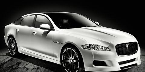 Tire, Wheel, Automotive design, Vehicle, Headlamp, Rim, Alloy wheel, Automotive lighting, Car, Grille,