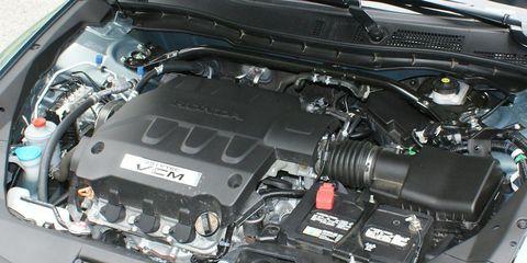 Engine, Automotive engine part, Personal luxury car, Automotive air manifold, Luxury vehicle, Hood, Automotive super charger part, Fuel line, Kit car, Nut,