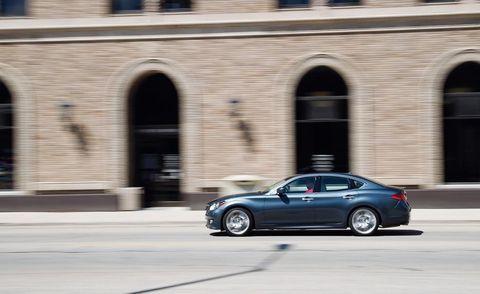 Tire, Automotive design, Vehicle, Land vehicle, Alloy wheel, Rim, Car, Full-size car, Mid-size car, Personal luxury car,