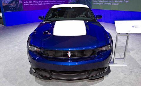 Motor vehicle, Automotive design, Vehicle, Grille, Hood, Car, Automotive exterior, Headlamp, Bumper, Personal luxury car,