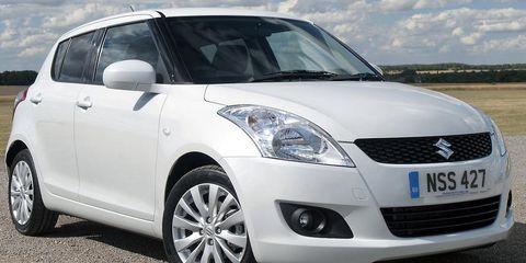 Tire, Motor vehicle, Wheel, Automotive mirror, Mode of transport, Automotive design, Daytime, Vehicle, Glass, Transport,