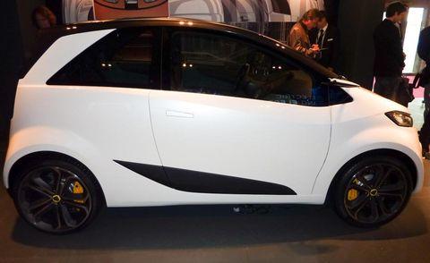 Motor vehicle, Wheel, Tire, Mode of transport, Automotive design, Vehicle, Car, Vehicle door, Automotive exterior, Rim,