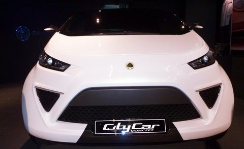 Motor vehicle, Mode of transport, Automotive design, Automotive exterior, Product, Vehicle, Event, Land vehicle, Grille, Headlamp,
