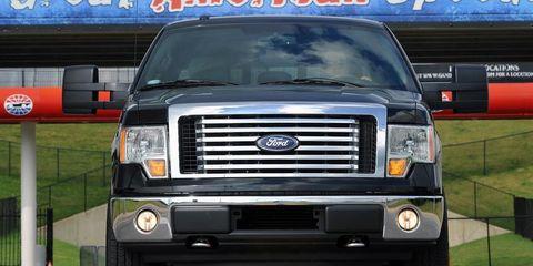 Motor vehicle, Automotive tire, Mode of transport, Transport, Vehicle, Automotive exterior, Automotive parking light, Land vehicle, Automotive design, Automotive lighting,