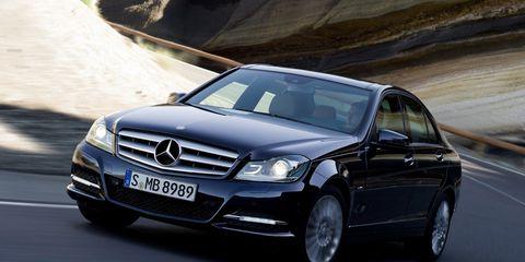 Mode of transport, Automotive design, Vehicle, Land vehicle, Car, Hood, Automotive mirror, Automotive exterior, Road, Automotive parking light,