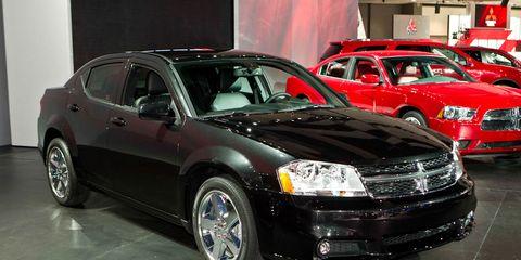 Tire, Wheel, Automotive design, Vehicle, Land vehicle, Automotive tire, Car, Automotive lighting, Automotive parking light, Rim,