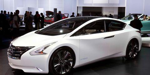 Wheel, Tire, Motor vehicle, Mode of transport, Automotive design, Vehicle, Land vehicle, Event, Transport, Car,