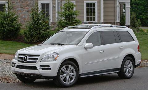 Tire, Wheel, Vehicle, Window, Automotive tire, Rim, Glass, Car, Grille, Hood,