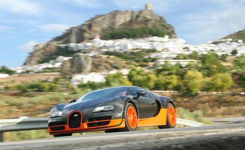 Tire, Wheel, Automotive mirror, Automotive design, Mode of transport, Vehicle, Transport, Road, Rim, Automotive lighting,