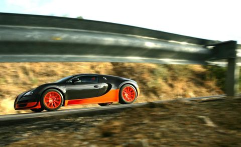 Tire, Wheel, Mode of transport, Automotive design, Road, Vehicle, Automotive lighting, Rim, Alloy wheel, Infrastructure,
