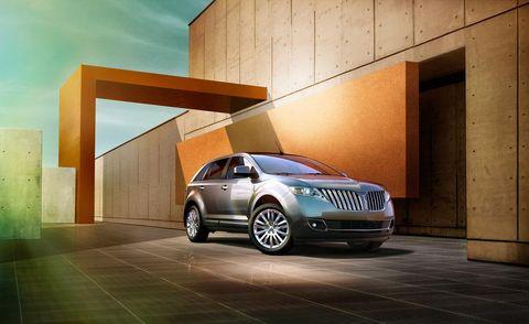 Tire, Motor vehicle, Automotive design, Vehicle, Automotive parking light, Automotive lighting, Grille, Automotive exterior, Car, Automotive tire,