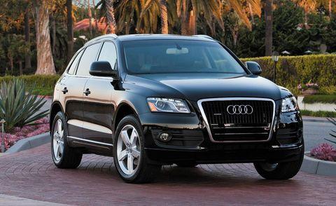 Motor vehicle, Tire, Automotive design, Vehicle, Automotive mirror, Land vehicle, Transport, Infrastructure, Automotive lighting, Hood,