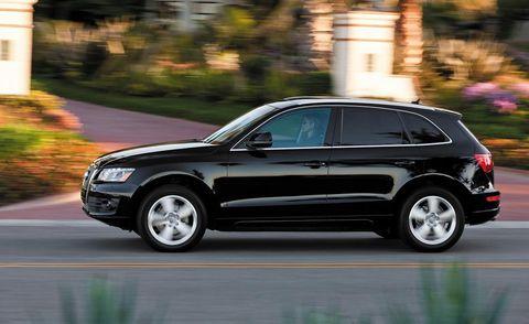 Tire, Wheel, Automotive design, Vehicle, Spoke, Automotive tire, Alloy wheel, Car, Rim, Sport utility vehicle,