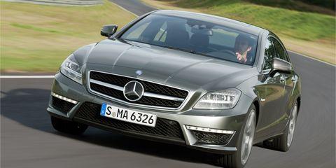 Mode of transport, Automotive design, Vehicle, Road, Hood, Grille, Transport, Mercedes-benz, Automotive mirror, Car,