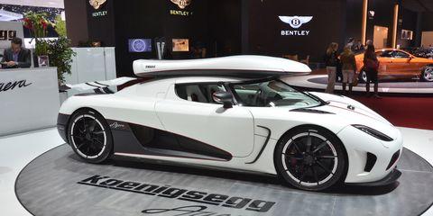 Tire, Wheel, Mode of transport, Automotive design, Vehicle, Land vehicle, Car, Rim, Performance car, Supercar,