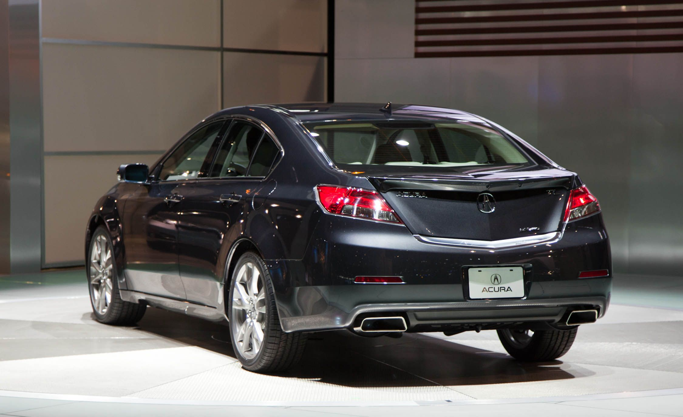2012 Acura Tl Photos And Info Acura Tl News 150 Car And Driver