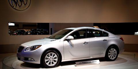 Tire, Wheel, Mode of transport, Automotive design, Vehicle, Glass, Automotive lighting, Car, Full-size car, Headlamp,