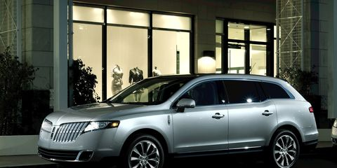 Tire, Wheel, Automotive design, Vehicle, Land vehicle, Car, Alloy wheel, Glass, Automotive lighting, Technology,