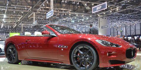 Tire, Wheel, Automotive design, Vehicle, Performance car, Car, Alloy wheel, Supercar, Sports car, Rim,