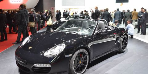 Tire, Wheel, Automotive design, Vehicle, Land vehicle, Car, Performance car, Personal luxury car, Fender, Sports car,