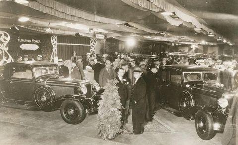 Motor vehicle, Vehicle, Land vehicle, Automotive design, Classic car, Classic, Photograph, Fender, Antique car, Headlamp,