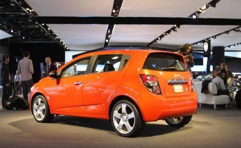 Motor vehicle, Wheel, Automotive design, Vehicle, Land vehicle, Car, Automotive wheel system, Hatchback, Alloy wheel, Vehicle door,