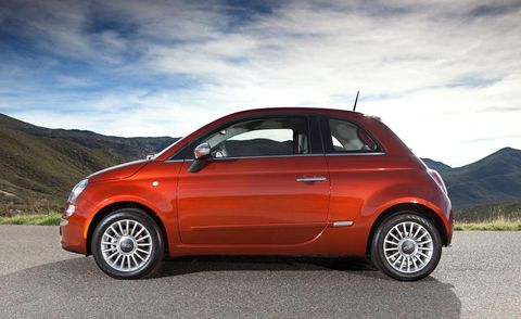 Tire, Wheel, Motor vehicle, Automotive design, Alloy wheel, Vehicle, Automotive mirror, Rim, Car, Automotive wheel system,