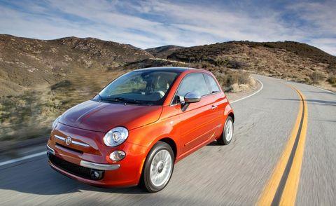 Tire, Wheel, Road, Automotive design, Vehicle, Automotive mirror, Mountainous landforms, Rim, Car, Hood,