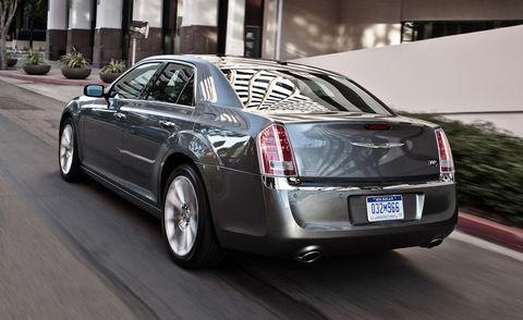 Automotive design, Vehicle, Land vehicle, Car, Rim, Personal luxury car, Luxury vehicle, Automotive lighting, Full-size car, Alloy wheel,