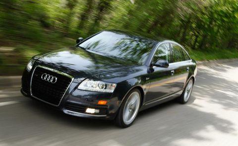 Tire, Wheel, Automotive design, Vehicle, Automotive mirror, Automotive lighting, Headlamp, Car, Grille, Rim,