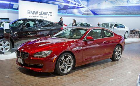 Tire, Wheel, Automotive design, Land vehicle, Vehicle, Car, Rim, Alloy wheel, Personal luxury car, Grille,