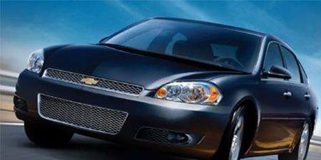 Tire, Motor vehicle, Automotive mirror, Automotive design, Mode of transport, Daytime, Vehicle, Automotive lighting, Hood, Product,